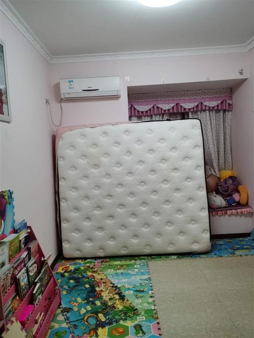 一米八全友乳膠床墊, 原價4200,睡了兩年。現在1700出售 五岳廣場 限自提