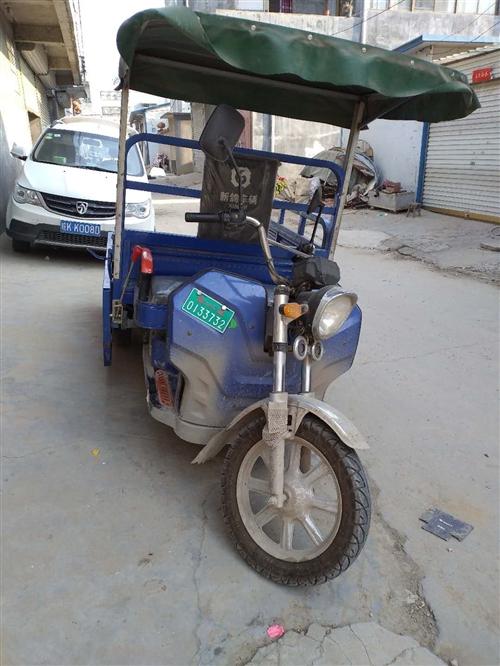 本人有一輛四個大瓶三輪車出售,騎了半年車況良好,非誠勿擾 電話:18355211141