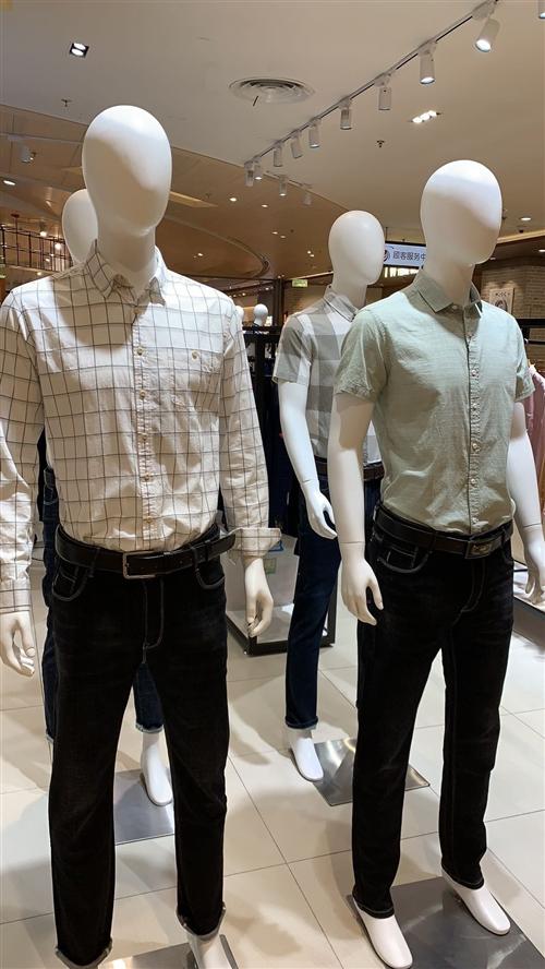 9成新服装模特,有意者可与我联系,价格优惠