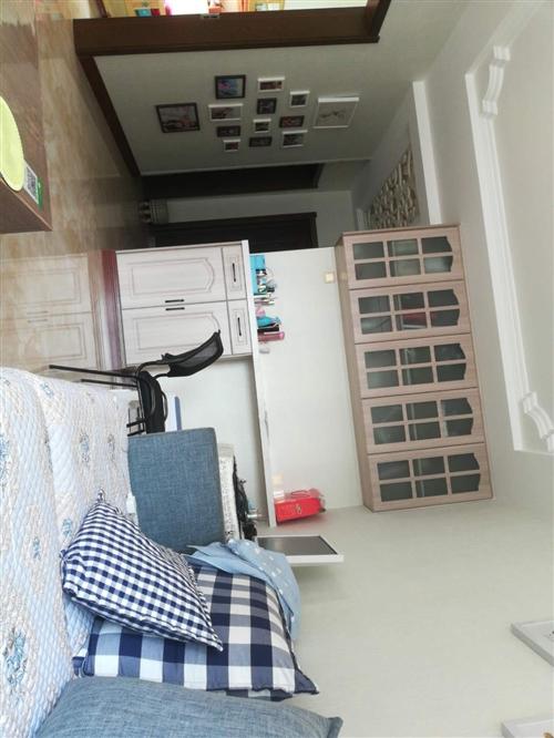 你好,出售興縣寶山花園低層,一號樓六單元3 層東戶(共七層),105平米三室兩廳一衛,精裝修,廚衛電...