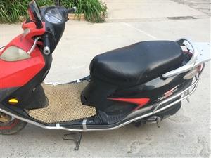 豪爵铃木摩托车,买时候1300元