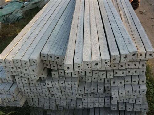 水泥立柱,大棚溫室立柱,可做葡萄樁葡萄架用。長度1.8米、2.3米、2.8米,整體大棚立柱。現整體出...