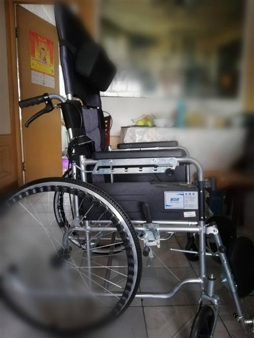 九九成新輪椅,剛買回來一個星期,家里老人去外地舅舅家住了,用不著了,輪椅背椅可調節,最大角度可以放平...