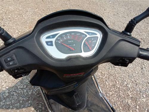 由于我經常在外打工,很少騎里程才300,近十成新,現在想買量小車,所以想賣掉這輛輕騎摩托車,冇意的朋...