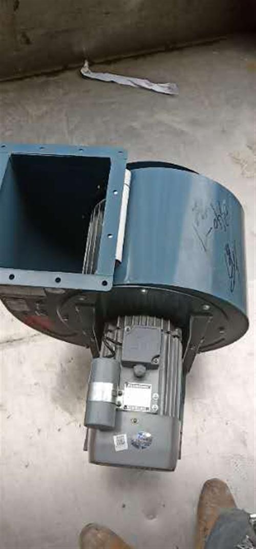 本人出售三台二手油烟机风机,分别是2.2kw220v,3kw220v,5.5kw380v