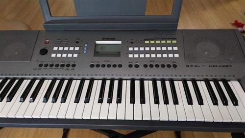 正宗雅马哈KB280电子琴,标准61键,儿童成人初学适用。网上售价2699元。我家这琴购买五年,使用...