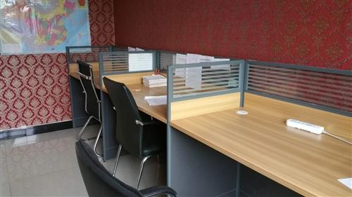 低价出售全新办公桌