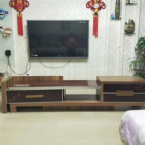 低價出售皮沙發,電視柜,茶幾,實木餐桌,有需要的可以聯系我!