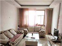 出售:万隆小区,6楼,133平,3室两厅1卫,简装,采光非常好,地理位置优越,通暖气,售价38万(嫚...
