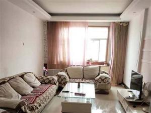 出售:万隆小区,6楼,133平,3室两厅1卫,简装,采光非常好,地理位置优越,通暖气,售价38万(��...