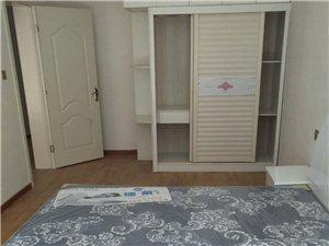 嘉鸿3室 1厅 1卫1500元/月