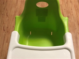 儿童座椅8成新:30元,儿童护栏8新:50元,自?#27721;?#23376;用的,大了用不上了,很干净,转给有缘人!