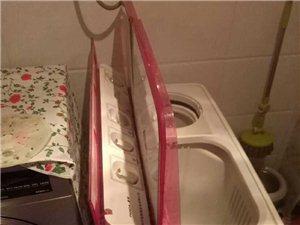 因�I全自�樱�出售9.6公斤洗衣�C九成新450元出售。