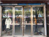鳳翔街27服裝店轉讓 面積50多個平方 廁所 熱水器 空調 都有  有個房間可住人