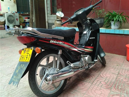 2010年本田摩托,没怎么骑,和新的差不多,忍疼低价转让。
