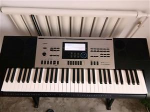 卡西欧电子琴(考级琴,可考十级)九成新,原价2280现价1800有意者请联系(非诚勿扰)