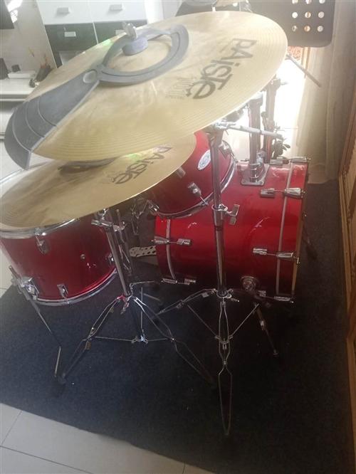 专业爵士乐器架子鼓,进口,全新,现低价出售,价格可议