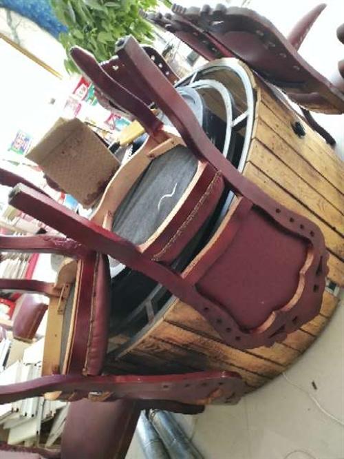 出售鐵鍋燉一套帶椅子價格面談