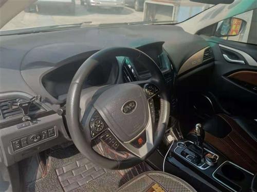 誠心出售B丫D秦油電混合轎車一輛。18937872273