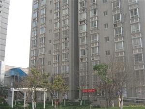 �P凰新城   三室��d�尚l  拎包入住  低�r出售  低于市��r百分之二十 周�景�^:城市�\�庸��@...