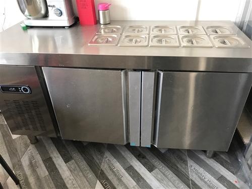 餐飲電冰箱兩個轉讓,有意著來電咨詢