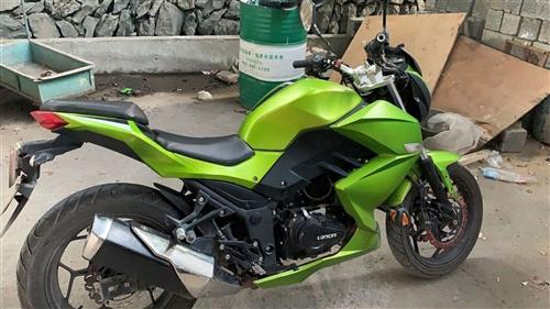 創新三陽梟風摩托車     可以換踏板摩托車  摩托車 有牌有行駛證有綠本 隆鑫250cc發動機...