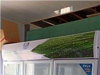 出售串串店各大用具,五个月的一手精品展示柜,冷冻柜,消毒柜,桌椅,电磁炉等等厨具。