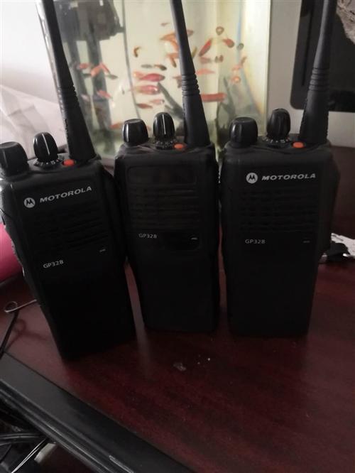 出售兩個99新,一個7成新,純新電池若干