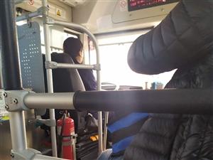 汤阴12路公交车,暖心服务感动乘客