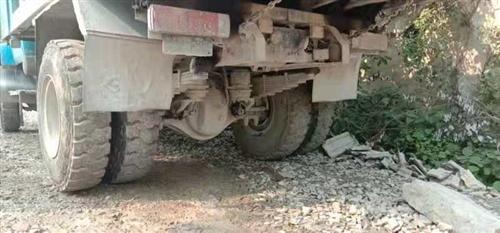 此車出售 13年12月份的三噸紅橋王 大棒 車礦安逸得很 跑起的 手術齊全 四個11-20的新輪胎 ...