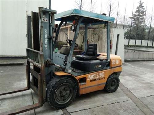 出售三噸半龍工叉車一臺,定制款,貨叉一米八長,四九五發動機,只用了一千三百小時。