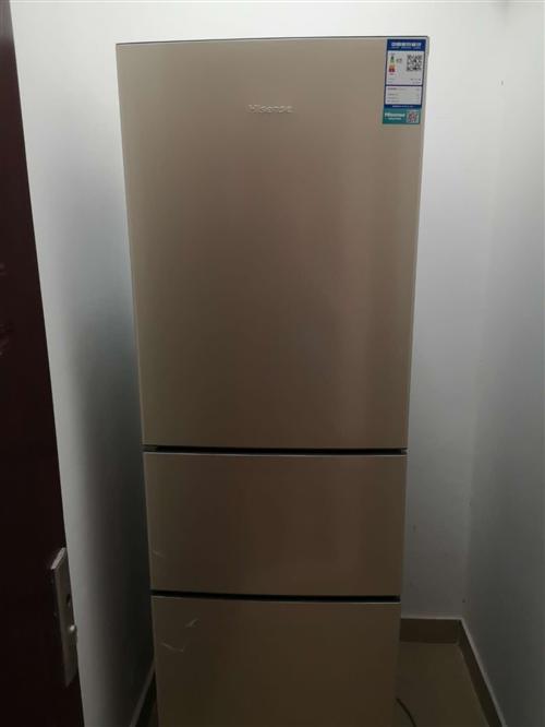 今年6月份在京东上购买的海信三门大冰箱,几乎**,一年质保期,原活动价1099,现600转让。联系电...