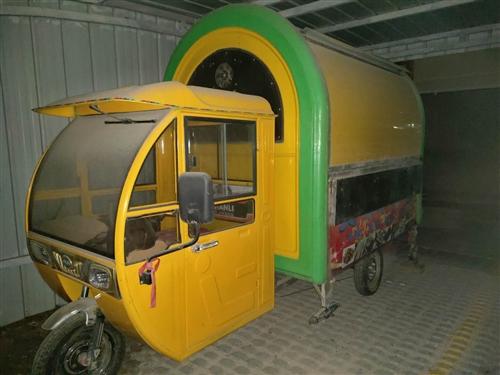 本人有九成新烧烤车一辆,现急转,?#34892;?#35201;的可以联系我!