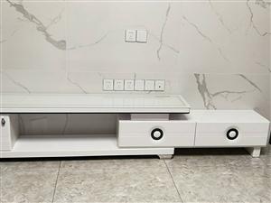 出售自家用烤漆茶几电视柜一套,电视柜是**的,茶几用了两年,非诚勿扰!