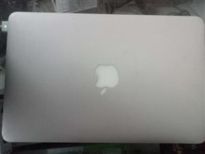 便宜出售一台苹果笔记本