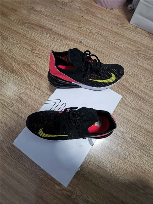 全新耐克運動鞋