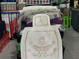 二手羊绒毯垫  买时1800现在只卖450元 有需要的请联系滨苑洗车城