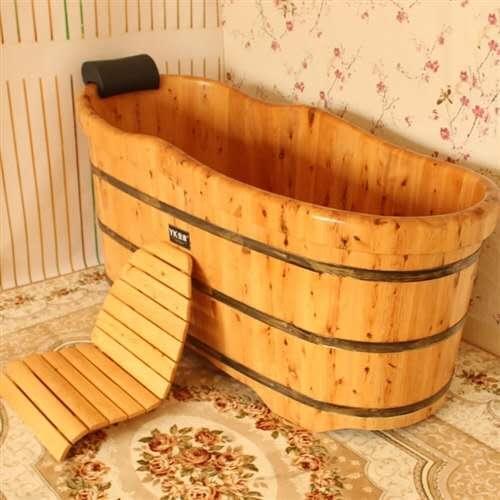 我家有個浴盆,香樟木的1.5米的。原1100買的用了兩個月搬家沒地方放就閑置了。現在400塊錢出售。...