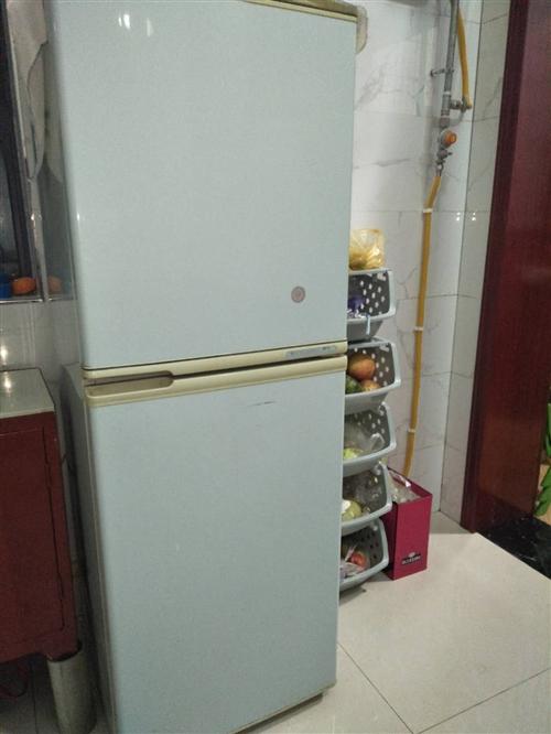容聲雙開門冰箱