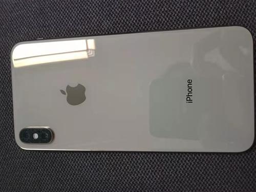 美版黑解苹果xs wax金色!64g,电池剩89,刚买一年,98成新,只要不刷机,和国行的一样