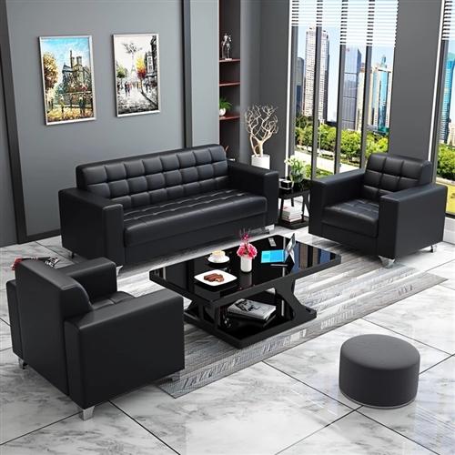 9成新的皮沙发,自己买着用的,买来快1年了,但是用的时间只有3.4个月,很新