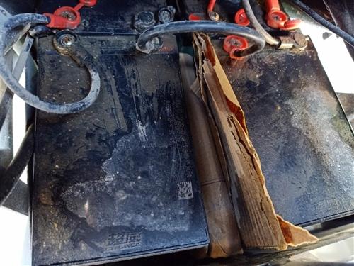 出售个人电动车   去年9月份的车   六个电池满电可跑55公里   电池电机没有任何问题   12...