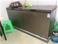 冰柜一个,长虹美菱715升。10月份买的。二手独立操作间和油烟机一台,还有燃油灶两台。都是十月份的新...