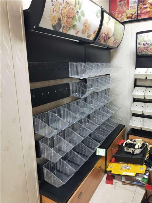 零食货架处理,5层25盒的6组,4层20盒的1组,原价都是500+,现处理价,全要价格面谈,有需要的...