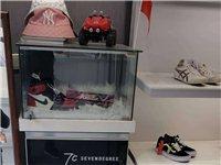 出售袋鼠皮具专柜货架 可以放鞋放包饰品之类的 有需要的联系我价格便宜