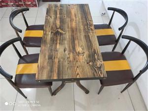 六套桌椅和九成新一米四点菜柜转
