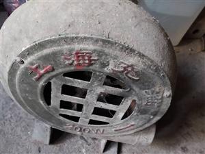 上海牌鼓�L�C。�砂偻�。八成新。100元左右。