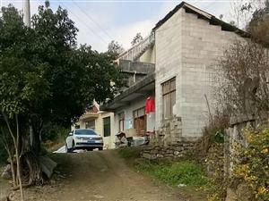 都是黔江城西迎�e4�M的村民,怎么待遇不一��
