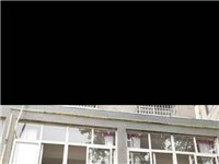光馬路圣賢山莊門面房兩間兩層出售,150平方,已裝修,交通便利,因急用錢,非常底價岀售,有房產證,有...