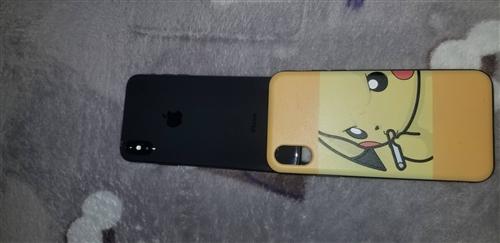 資金周轉,賤賣一臺蘋果x。所有功能完好,面容靈敏。全套配件,99新。買來就一直戴套使用。價格不刀,全...